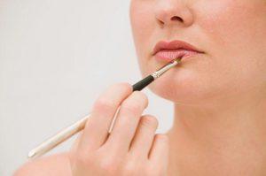 Gunakan Lip Primer