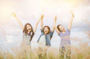 5 Hal yang Dapat Wanita Lakukan untuk Memberdayakan Wanita Lainnya
